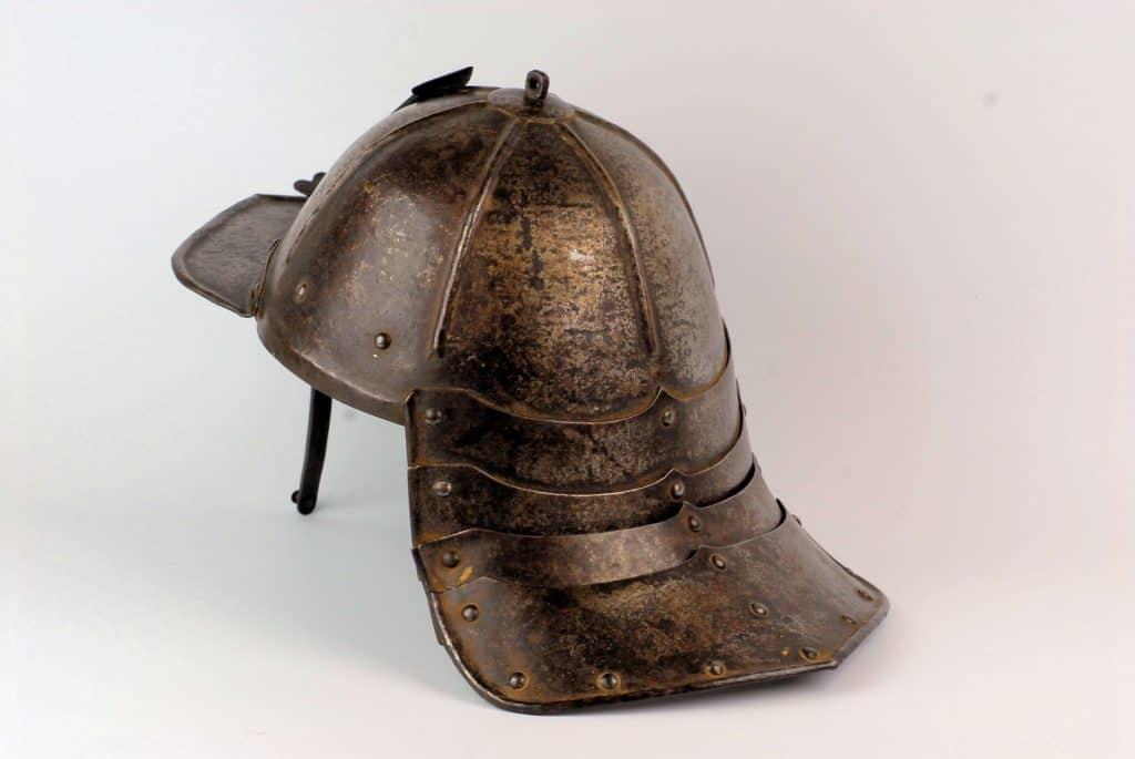 A Lobstertail pot helmet, 17th century