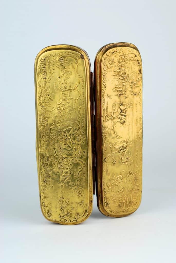An 18th century Isherlohn tabacco box